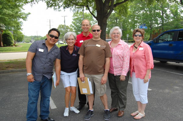Chesapeake Office REALTORS® and Staff Help Clients Clean Up