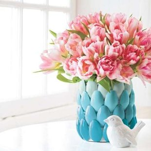 DIY: Make Your Own Vase with Plastic Spoons