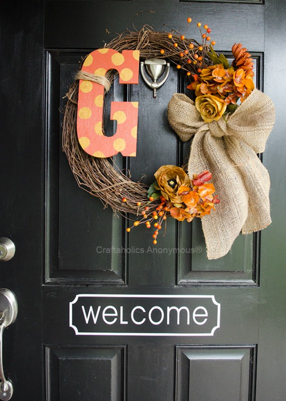 Seriously in love with this fall wreath - simple but gorgeous and completely customizable