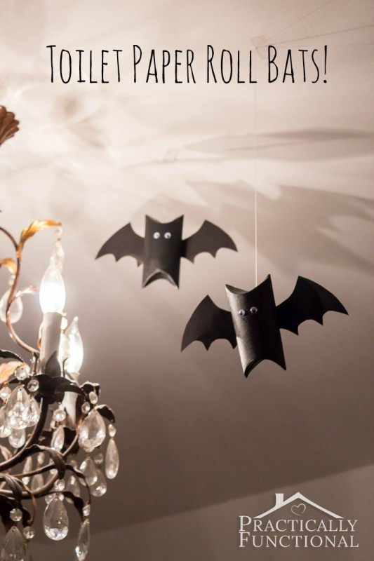 Great green project to do with little kids. These toilet paper roll bats are super cute for Halloween #DIY #Crafts